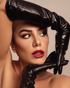 Leather Gloves, Pin Up, My Favorite Things, Lady, Beautiful, Instagram, Touch, Vintage, Fashion