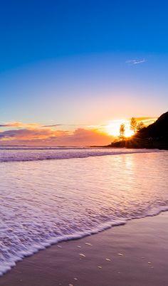 Burleigh Heads Sunrise, Australia #everyonelovesburleigh#burleightourism. Queensland Gold Coast Australia