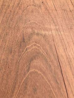 Wij houden van hout! Kijk dan eens naar dit boomstamblad. Een slice uit een boom. Hardhout. En door de natuureigenschappen is elk product uniek. Elk product is anders. Daarom houden wij van hout. Kijk dan.... (en klik op de foto voor meer info) Hardwood Floors, Flooring, Wood Floor Tiles, Hardwood Floor, Wood Flooring, Floor, Paving Stones
