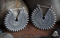 ideas jewerly rings silver gypsy for 2019 Indian Jewelry Earrings, Silver Jewellery Indian, Antique Earrings, Antique Jewelry, Jewelery, Silver Jewelry, 925 Silver, Silver Ring, Silver Earrings
