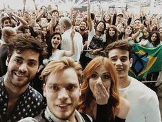 Cast of Shadowhunters-selfie Shadowhunters Actors, Shadowhunters The Mortal Instruments, Jace Wayland, Alec Lightwood, Cassandra Clare, Hush Hush, Clary Und Jace, Elite Model, Dominic Sherwood