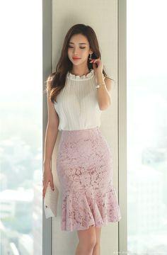 Korean Fashion – How to Dress up Korean Style – Designer Fashion Tips Pretty Dresses, Beautiful Dresses, Look Office, Beautiful Asian Women, Korean Women, Classy Outfits, Korean Fashion, Fashion Dresses, Dress Up