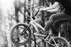 Tout comme le VTT, le BMX est le nom du vélo mais également celui de la discipline de cette activité sportive.  #Vélo #BMX #Sport  http://p-wearcompany.com/sport/actu/bmx/