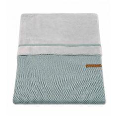 Bettbezug Klassisch Stone Green  - Material: 50% Baumwolle, 50% Acryl  - Maße: 100 x 135 cm  - Farbe : Stone Green  - Maschinenwäsche: bei 60°C  - trocknergeeignet