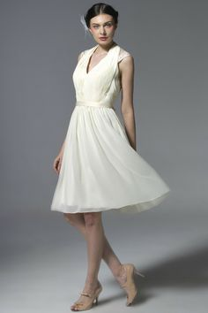 Halter Chiffon Knee-Length Bridesmaid Dress