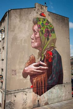ETAM Cru - Street Art - Fresque murale Madamme Chicken - Lodz, Pologne