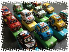 Broemm, broemm, auto's op de snelweg van koekreepjes of doosjes rozijntjes