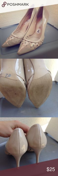 Pointed Low Heels These gorgeous shoes are perfect for wearing to the office or for special occasions. Unisa Shoes Heels