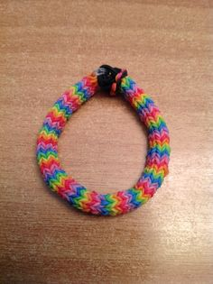 Rainbow loom hexafish bracelet I am making it Rainbow Loom Patterns, Rainbow Loom Creations, Rainbow Loom Bands, Rainbow Loom Bracelets, Rubber Band Crafts, Rubber Bands, Crazy Loom, Loom Craft, Rubber Band Bracelet