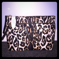 SALEVS Makeup Bag Large cheetah print makeup bag. 2 pockets. Brand new Victoria's Secret Bags Cosmetic Bags & Cases