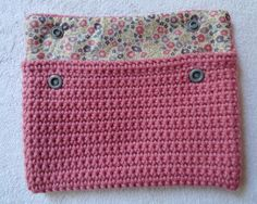 Pochette Crochet et Liberty par Libertylle#Repin By:Pinterest++ for iPad#