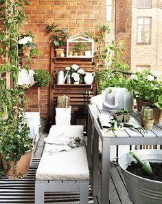 737b143a5 Disfruta de la jardinería en tu propia terraza. Mesa Silla, Pequeña Terraza,  Balcones