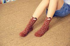 """Vous connaissez le style Mori Girl ? """"Mori"""" veut dire """"forêt"""" en japonais. C'est un style tendance de la nature et de la forêt~^-^ Ces mi-chaussettes trop trop mignonnes et colorées vont bien attirer l'attention! :3 - boutique kawaii en ligne chezfee.com"""