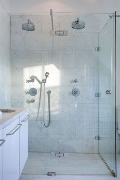Shower for two is a must!