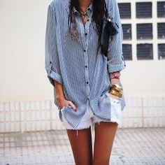 ya know...id like to wear an outfit like this :) but i doubt i could pull it off!!