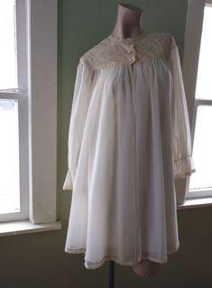 VTG 1960s Peignoir Nightgown Robe 60s Boudoir Bridal Vanity Fair 2 Pc Sz XS #VanityFair