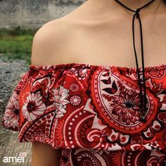 Detalhes que amamos ❤ #lojaamei #etiquetaamei #gargantilha #vermelho #estampa #ombroaombro #verão