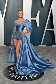 Candice Swanepoel in Zuhair Murad Couture at the 2020 Vanity Fair Oscars Party Black Lace Gown, Grey Gown, Elie Saab Couture, Pink Gowns, Blue Dresses, Party Dresses, Vanity Fair, Tattoo Wallpaper, Balmain Dress