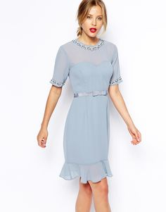 Such a chic dress to rock for all those Summer Weddings!
