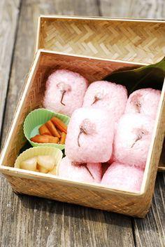 cherry blossom rice ball/桜おにぎり