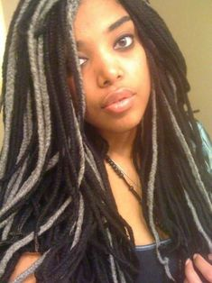 Best Yarn Locks Hairstyles for Women New Natural Hairstyles, Ethnic Hairstyles, Mohawk Hairstyles, Straight Hairstyles, Natural Hair Styles, American Hairstyles, Yarn Braids Styles, American Women, Quinceanera Hairstyles