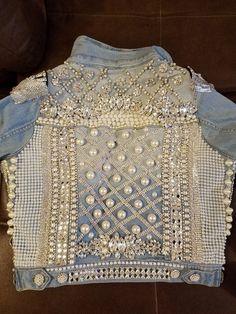 Each applique was hand sewed onto the denim jacket. Denim Vests, Jeans Denim, Bling Jeans, Denim Ideas, Embellished Jeans, Denim And Lace, Denim Outfit, Denim Fashion, Fashion Fashion