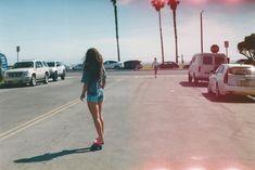 skating Penny Skateboard, Skateboard Girl, Summer Of Love, Summer Fun, Summer Days, Tumblr Quality, Abercrombie Girls, Skate Girl, Vans Girls