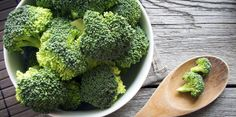 Vitamin C Foods - Broccoli Healthy Fats, Healthy Snacks, Healthy Recipes, Vitamin C Foods, Alkalize Your Body, Cancer Fighting Foods, Eating Raw, Everyday Food, Cooking