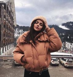 17 Amazing Cold Outfits With Your Puffy Jacket Winter Mode Outfits, Winter Fashion Outfits, Look Fashion, Autumn Winter Fashion, Trendy Outfits, Fall Outfits, Girl Fashion, Fashion Clothes, Trendy Fashion