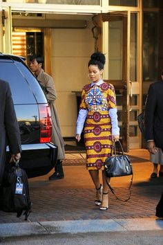 CIAAFRIQUE ™   AFRICAN FASHION-BEAUTY-STYLE: Rihanna rocks a Stella Jean's dress to the White H...
