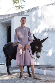 Laura Kampman by Jorge Perez Ortiz for Alejandra Alonso Rojas Fashion Shoot, Fashion 2017, Fashion Art, Editorial Fashion, Fashion News, Luxury Fashion, High Fashion, Alonso, Street Style Trends