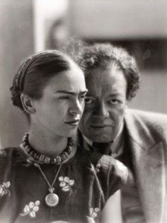 Frida Kaholo and Diego Rivera by Martin Munkacsi.