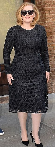 'It's a little bit annoying that men don't get asked that question as much': Singer Adele hits back at criticism she's received for her larger size compared to skinny pop stars Loving this look! Adele is Edgy, and Femme! Look Plus Size, Plus Size Women, Adele Style, Plus Size Inspiration, Burberry Dress, Outfit Trends, Girl Bands, Mode Style, Plus Size Dresses