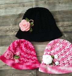 Fiz vários chapéus por esses dias e adorei!!              Usei fio Duna e agulha 3,5 mm  Peça gostosa de fazer, rapidinha e fica linda!  Vou...