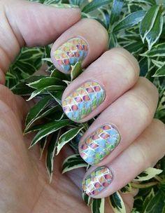 Such unique nails!!! Love!