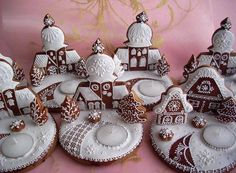 Holiday Cookies That Are Better Than You - Jingle Bells Gingerbread Village, Christmas Gingerbread House, Noel Christmas, Christmas Goodies, Christmas Baking, Christmas Treats, Gingerbread Cookies, Fancy Cookies, Iced Cookies