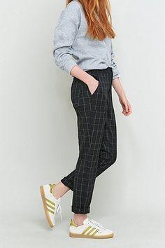 Light Before Dark - Pantalon fuselé à carreaux noirs et blancs - Urban Outfitters