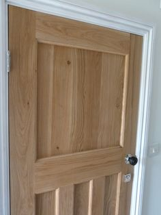 Our Solid Oak Style Internal Doors help give your home that truly traditional look! From only and with regular discounts! (%) buy today from the UK's leading reputable 1930 oak door supplier! 1930s House Interior, Wooden Doors Interior, Interior Barn Doors, Wood Doors, Solid Oak Doors, Door Handles, Doors Interior, Oak Doors, Wood Doors Interior
