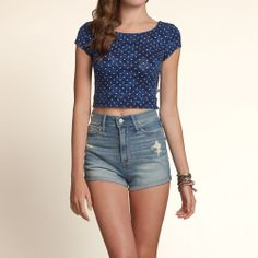 Bettys Bay Shore Cropped Top | Bettys Rock The Crop | HollisterCo.com