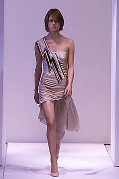 Callaghan Spring 2001 Ready-to-Wear Collection Photos - Vogue Fashion Show, Fashion Design, Modern Luxury, Ready To Wear, Runway, Two Piece Skirt Set, Vogue, Formal Dresses, Nicolas Ghesquiere