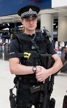 Mostly pics of cops doing their job but also hot men in uniform. Cop Uniform, Police Uniforms, Men In Uniform, Police Officer, Sexy Gay Men, Hot Cops, Police Life, Many Men, Army & Navy