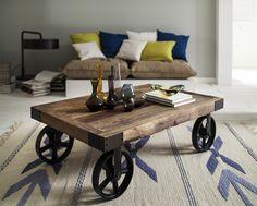 Vintage Landhaus Beistelltisch Cooper Ulme Holz mit Räder Gusseisen bei jenverso.de