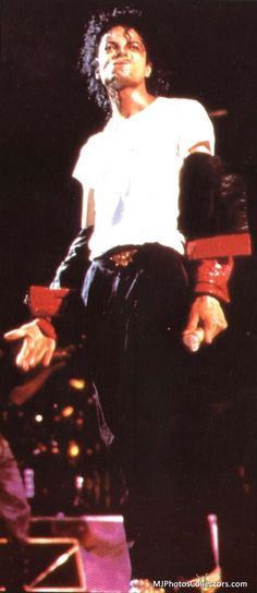 MY ADDICTION ♥♡♥  MY ENDLESS LOVE  ♥♡♥   MY ETERNAL PASSION!!!  《《MICHAEL JACKSON 》》★☆★   ♥♡♥  BAD TOUR -  BEAT IT  ★☆★    ♥♡♥