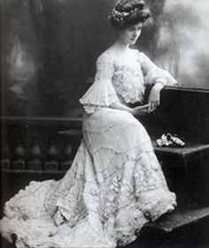 Gibson Girl Bride