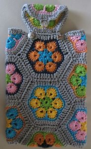 African Flowers Hot Water Bottle Cover - roundup of Free African Flower Motif Patterns on Moogly! Diy Crochet And Knitting, Crochet Home, Crochet Gifts, Free Crochet, Crochet African Flowers, Crochet Flowers, Flower Patterns, Crochet Patterns, Online Yarn Store