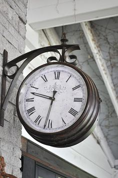 Outdoor Clock I Want One