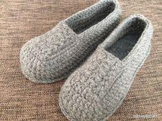 Bag Crochet, Crochet Bebe, Crochet Shoes, Crochet Clothes, Free Crochet, Knitting Room, Knitting Needles, Baby Knitting, Knitting Patterns
