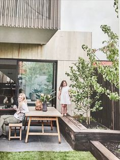 Garden vibe Garden vibe The post Garden vibe appeared first on Evelyn Simoneau. Outdoor Retreat, Outdoor Seating, Outdoor Rooms, Outdoor Living, Outdoor Furniture Sets, Shed Homes, Outside Living, Australian Homes, Back Patio