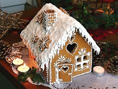 Výsledek obrázku pro the scandinavian christmas market Homemade Gingerbread House, Gingerbread House Designs, Christmas Gingerbread, Christmas Treats, Christmas Baking, Gingerbread Cookies, Christmas Time, Gingerbread Houses, Candy House