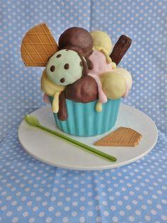 Ice cream sundae with giant cupcake pan Fancy Cakes, Cute Cakes, Yummy Cakes, Giant Cupcake Cakes, Fondant Cakes, Big Cupcake, Cake Decorating Tutorials, Decorating Supplies, Novelty Cakes